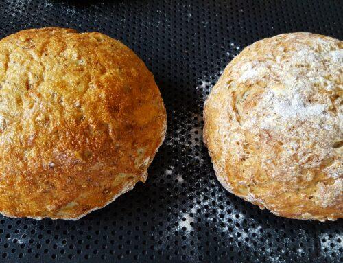 Små grova havrebröd eller Grova havrebaguetter